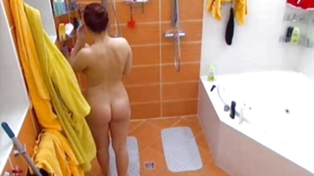 ¡Cara sexy de zorra de lujo follada jengibre penny pax follada en el baño!