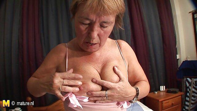 Abuela anal muyzorras delgadas húngara