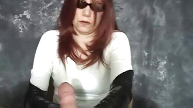 Caliente belga chica zorras foyando en trío